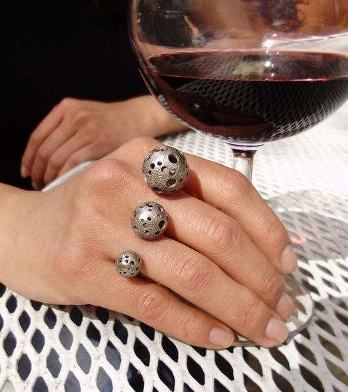 Moonball ring