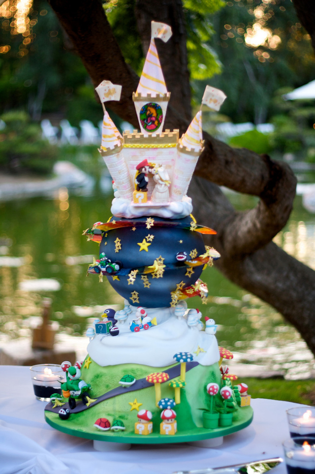 Super Mario Kart wedding cake 2540152721 a99ddbfff2 b