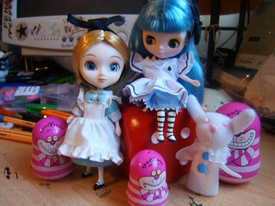 Alice mini Pullip and petite Blythe